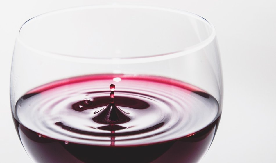 copa vino tinto salpicadura