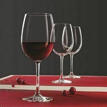 Copas de vino tinto Burdeos