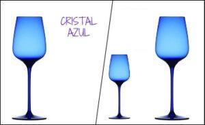Copas de cristal azules para vino