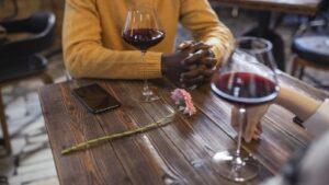 Coaps de vino grandes y anchas